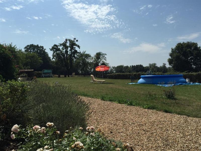 Vue du jardin et de la piscine (3,50 m)