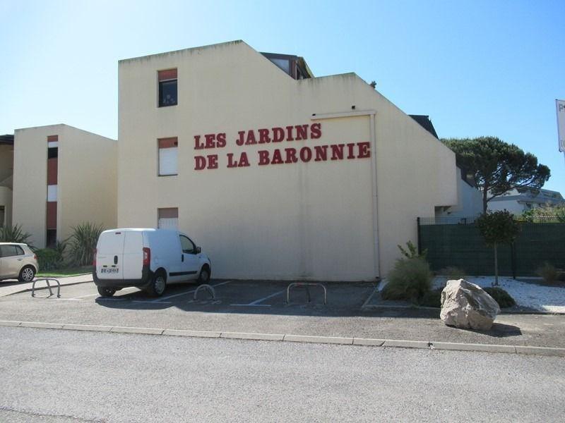 JOLIE P2 / CABINE REZ-DE-JARDIN - PARKING - LAVE LINGE. P2/cabine, très bien équipé, en rez-de-ja...