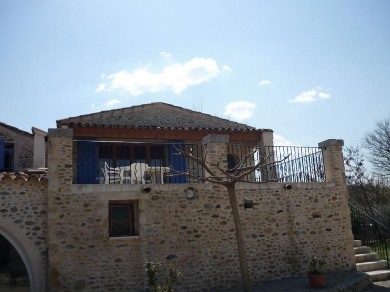 appartement + grande terrasse avec salon de de jardin