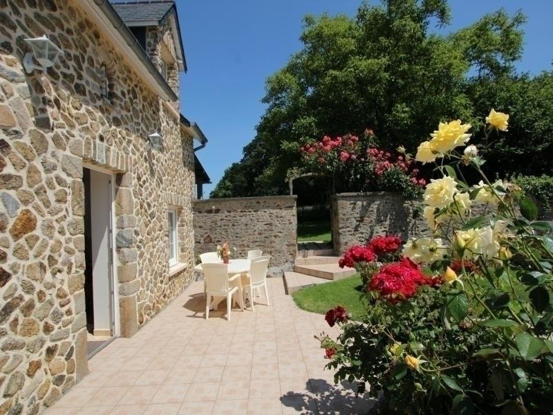 Location vacances Montsurvent -  Maison - 4 personnes - Barbecue - Photo N° 1