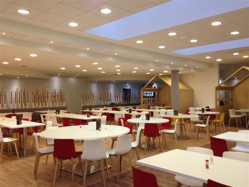 Location bureau guyancourt yvelines 78 6251 m² u2013 référence n° wi y492l