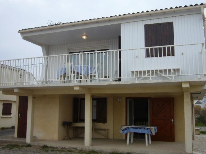 Location vacances Gruissan -  Maison - 4 personnes - Terrasse - Photo N° 1