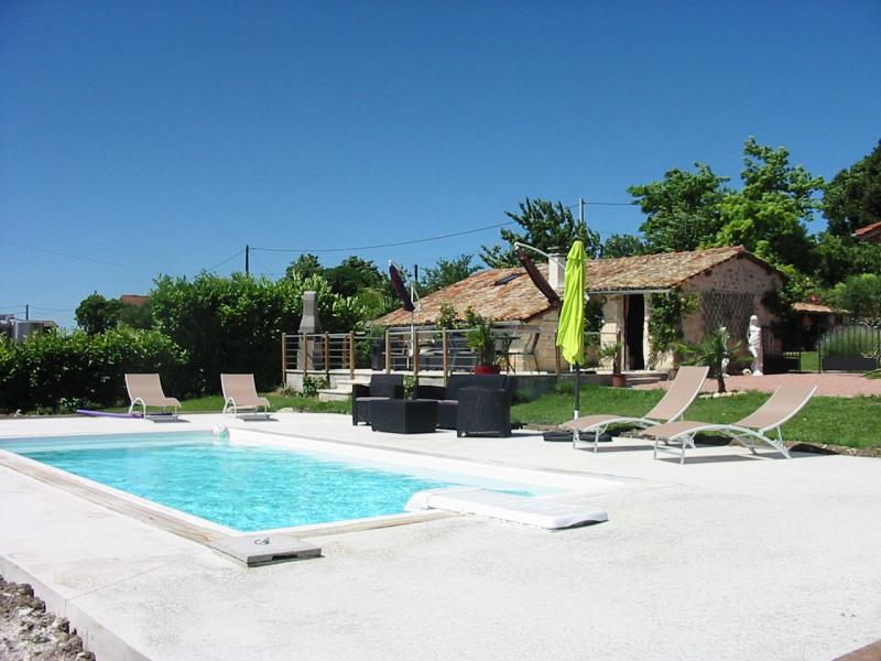 Location vacances Saint-Maigrin -  Gite - 3 personnes - Barbecue - Photo N° 1