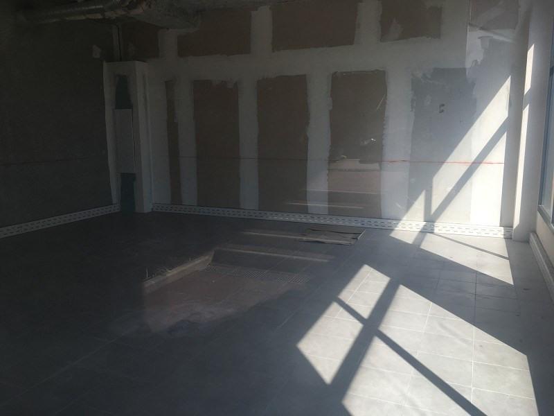 location bureau antibes 06600 bureau antibes de 71 m ref 062x91857. Black Bedroom Furniture Sets. Home Design Ideas