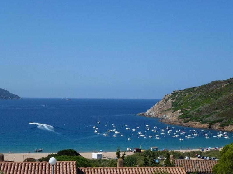 vue de la plage depuis la terrasse de l'appartemen