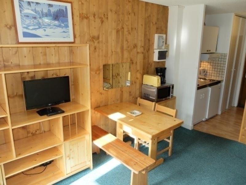 Studio avec balcon sud, situé dans le centre du Val Claret, proche tous commerces et départ ski.