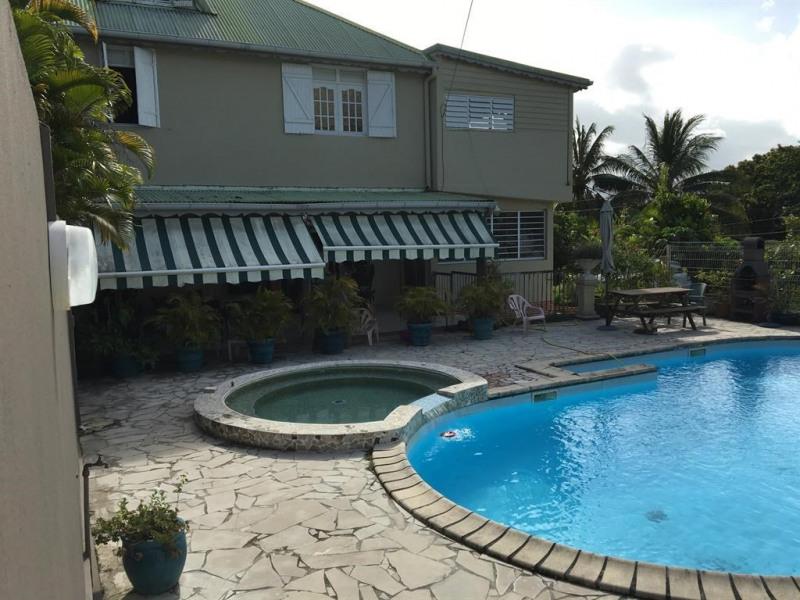 Villa pour 16 pers. avec piscine, Petit-Bourg