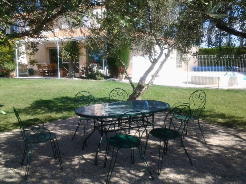 Location vacances Arles -  Maison - 9 personnes - Barbecue - Photo N° 1