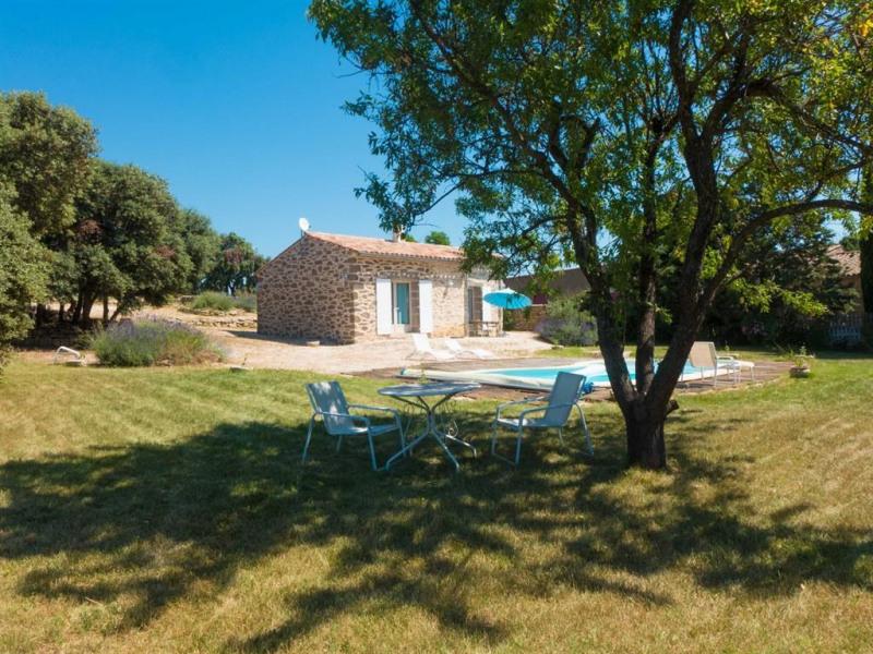 PROMOTION Maison en pierre pour 4 personnes classée 3* dans un domaine viticole avec piscine