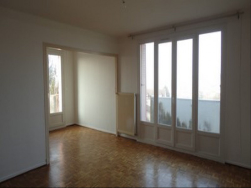 location appartement 4 pi ces dole appartement f4 t4 4 pi ces 80m 650 mois. Black Bedroom Furniture Sets. Home Design Ideas