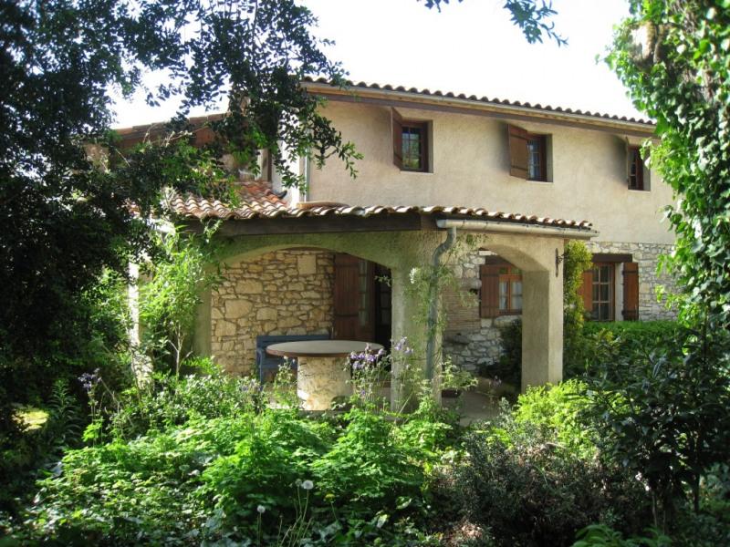 Maison De Vacances A Monflanquin En Aquitaine Pour 12 Pers