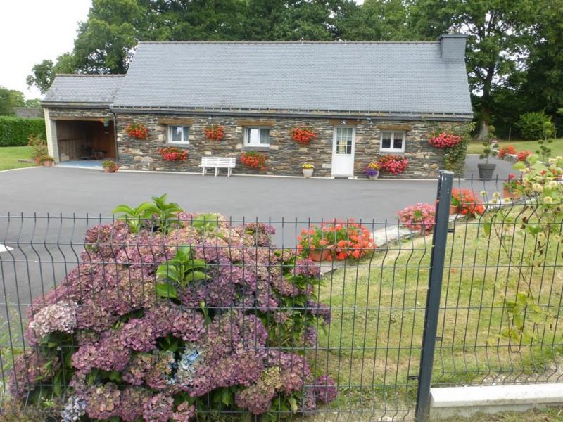 Location vacances Laniscat -  Maison - 8 personnes - Barbecue - Photo N° 1