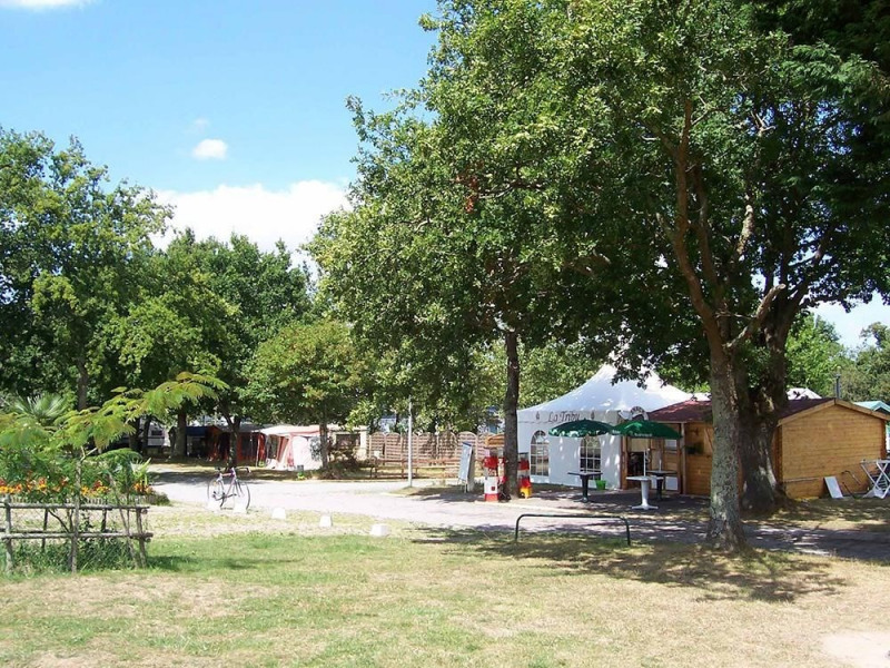 Camping Le Grand Fay, 76 emplacements