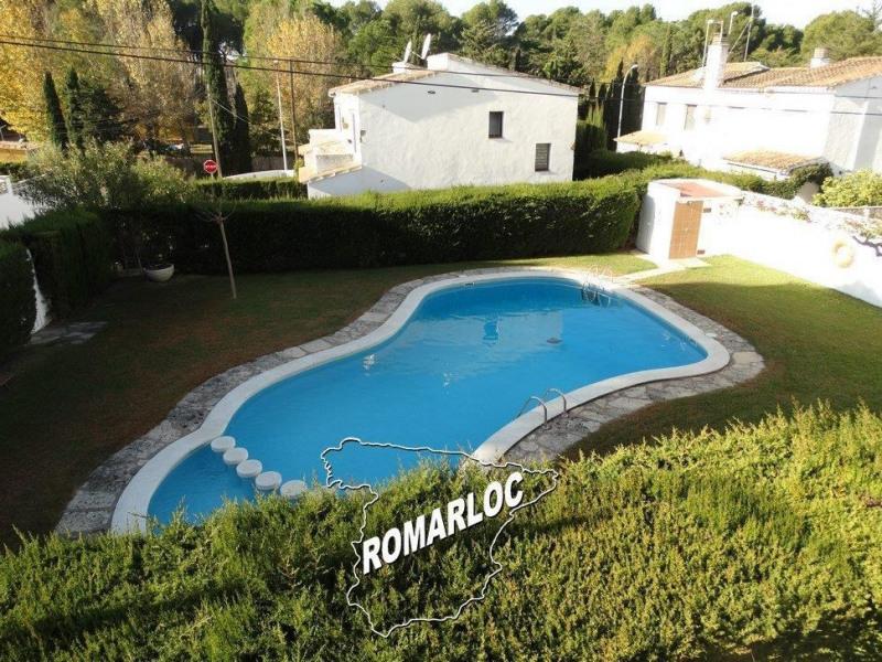 Maison avec piscine communautaire adultes et enfan