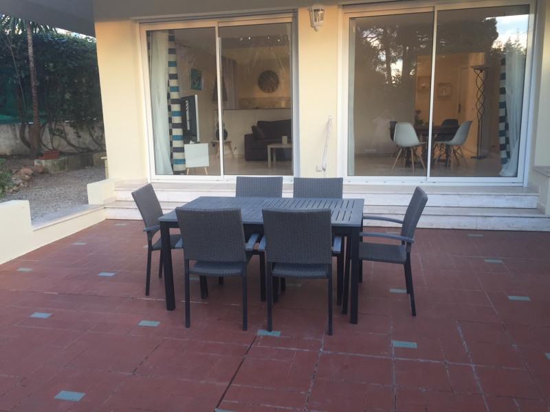 Magnifique appartement F4 avec terrasse et jardin à 2 pas de la mer