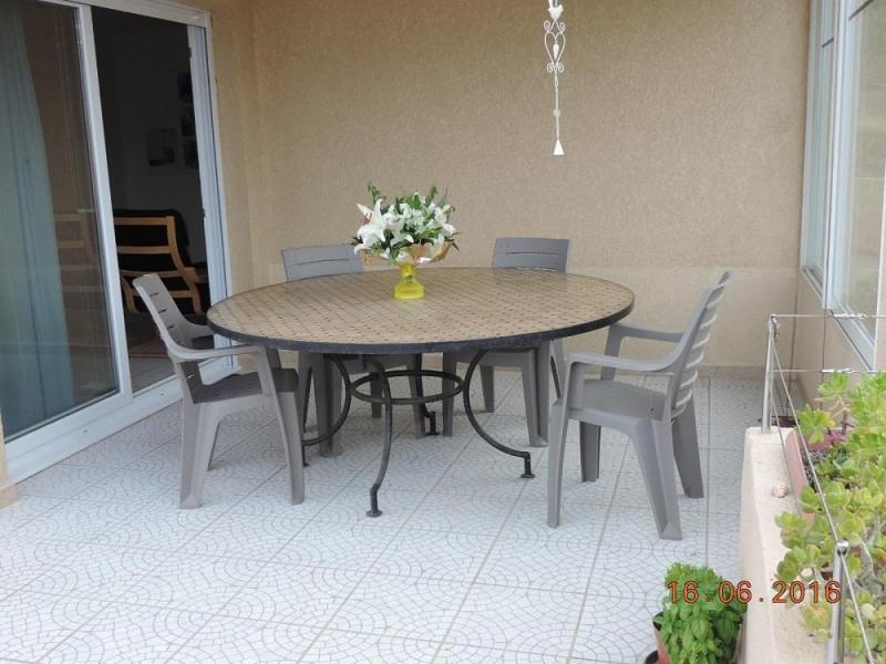 Bel appartement climatisé  pour 4 personne(s) petite résidence a 400M de la plage
