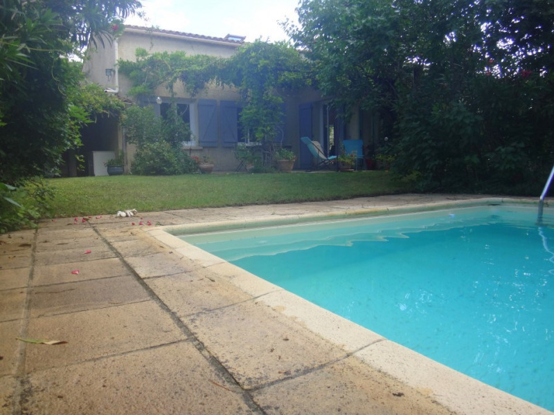 Location vacances Eyragues -  Maison - 8 personnes - Barbecue - Photo N° 1