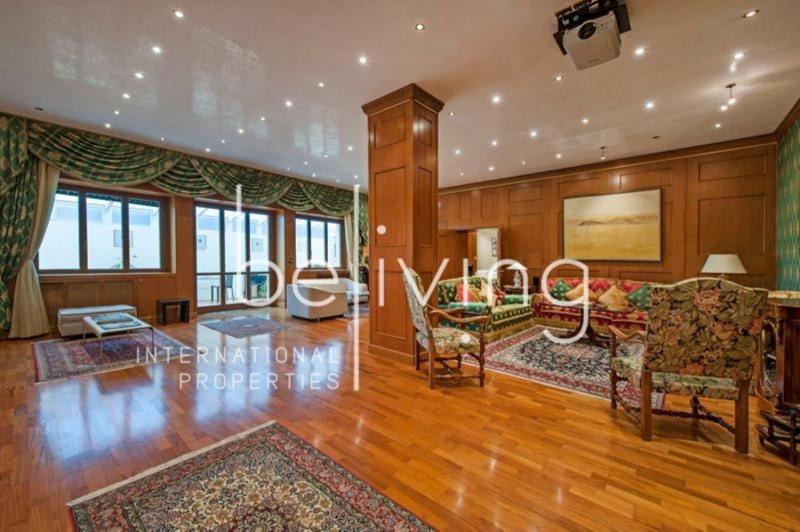 Vente Appartement 8 pièces 360m² Roma