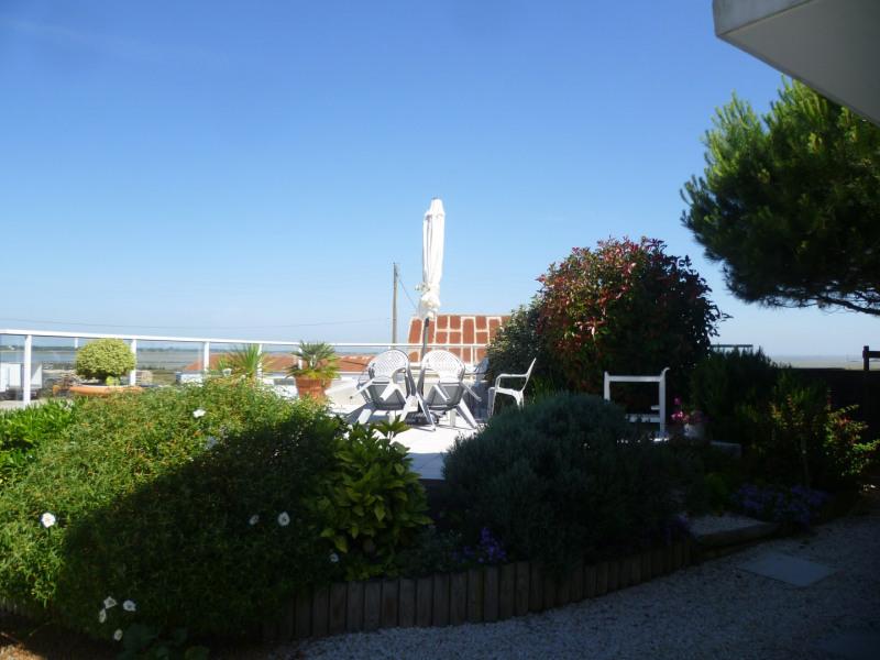 Très belle maison avec vue sur la mer et les parcs ostréiculteurs