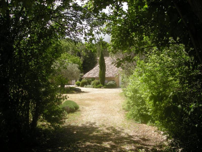 Location vacances Saint-Marcel-de-Careiret -  Gite - 4 personnes - Barbecue - Photo N° 1