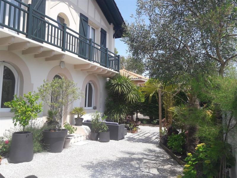 Location vacances Anglet -  Maison - 6 personnes - Salon de jardin - Photo N° 1