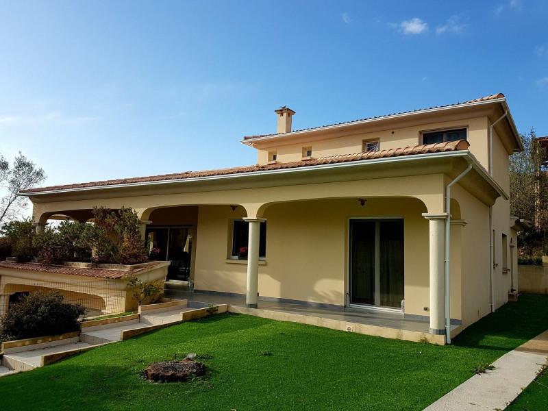 Villa Récente à Porticcio dans un environnement calme et verdoyant