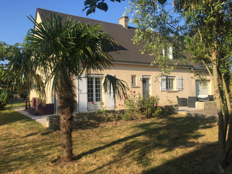 GITE REVILLE PROX ST VAAST LA HOUGUE. -MAISON INDEPENDANTE DANS VILLAGE - 6/8 PERSONNES - TOUT CO...