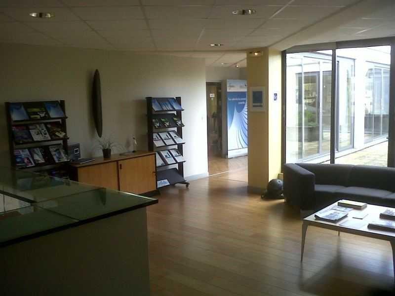 location bureau v lizy villacoublay yvelines 78 80 m r f rence n 667367w. Black Bedroom Furniture Sets. Home Design Ideas