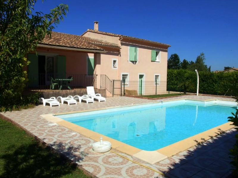 Villa for 12 persons private pool Close to shops in Vaucluse