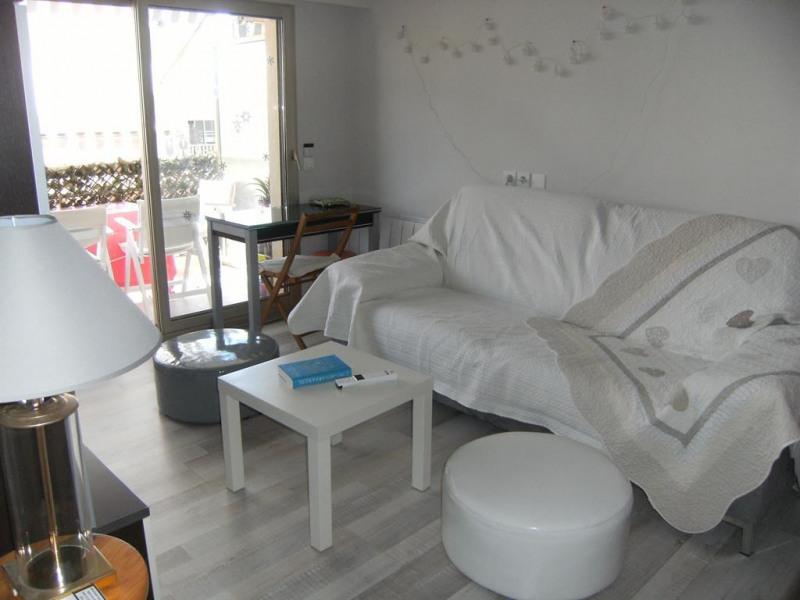 Location vacances Antibes -  Appartement - 4 personnes - Salon de jardin - Photo N° 1