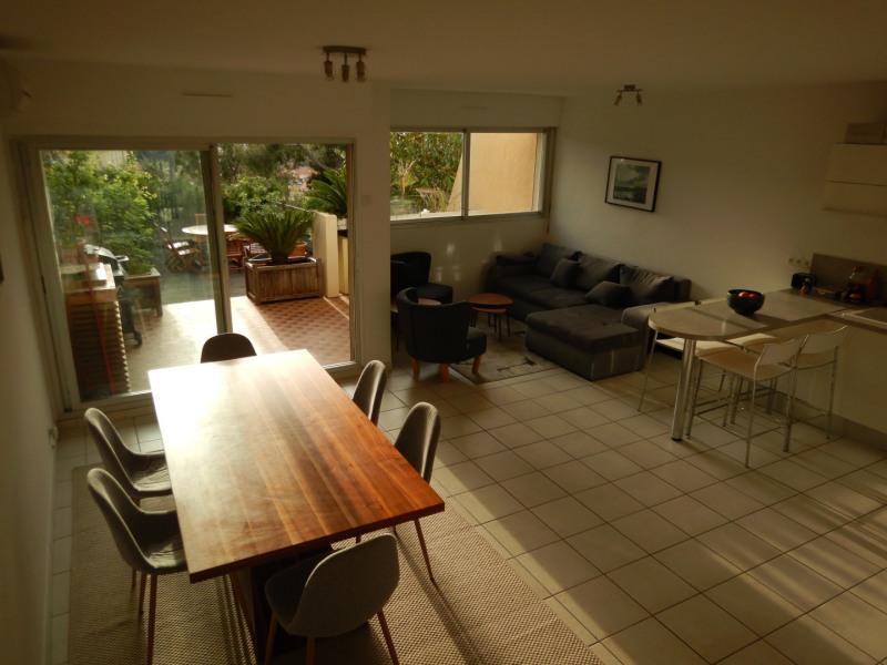 Salon, Salle à manger et cuisine ouverte, avec ouverture sur la terrasse