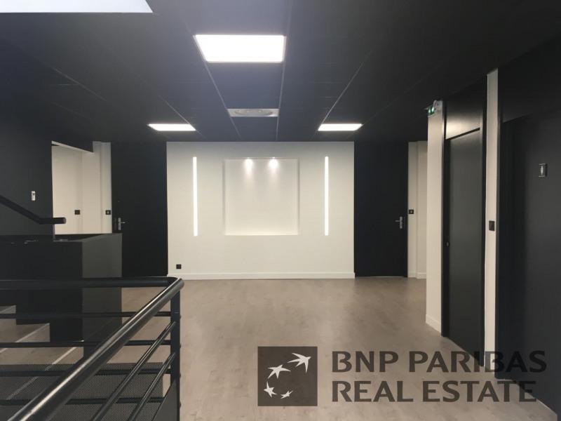location bureau lab ge 31670 bureau lab ge de 71 m ref 13190110l. Black Bedroom Furniture Sets. Home Design Ideas