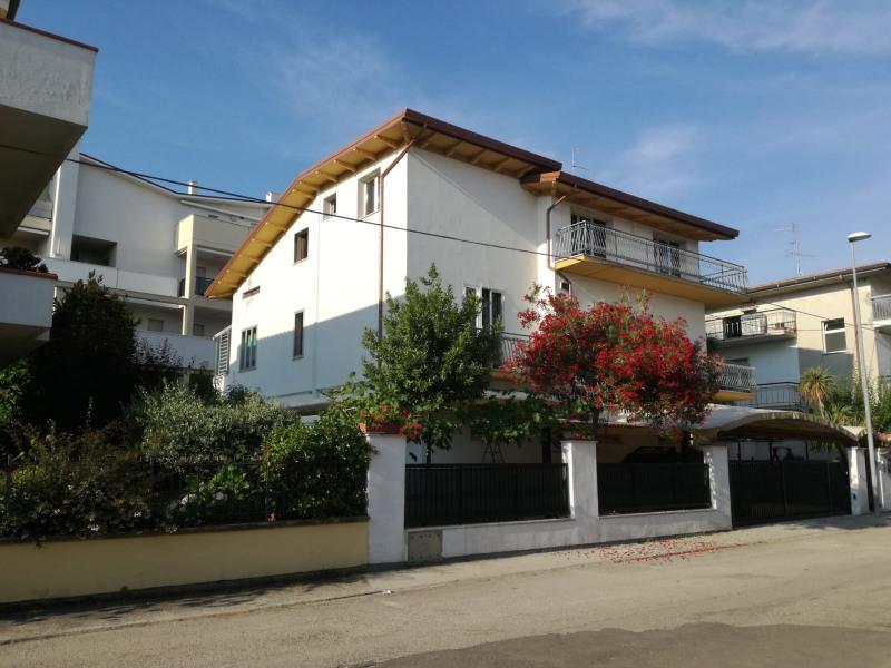 Location vacances Alba Adriatica -  Appartement - 6 personnes - Barbecue - Photo N° 1