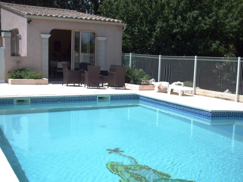 Piscine et son Pool house