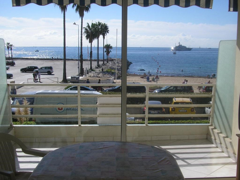 vue principale sur plage et port