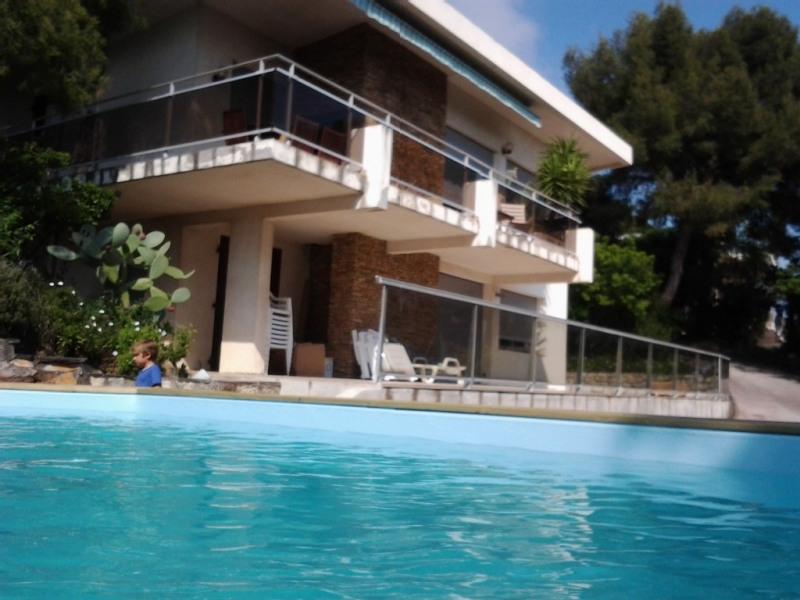 VILLA 140m² avec piscine pour 8 personnes, vue sur la rade de Toulon,