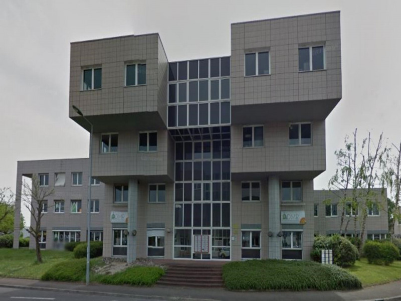 location bureau chen ve strd 21300 bureau chen ve strd de 116 m ref 16260055l. Black Bedroom Furniture Sets. Home Design Ideas