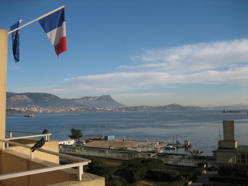 Vue sur la rade de Toulon depuis le balcon