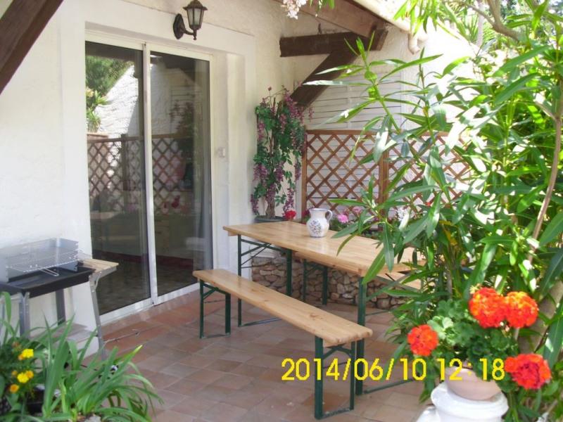 appartement T2 dans maison au calme ,vue sur la monta gne