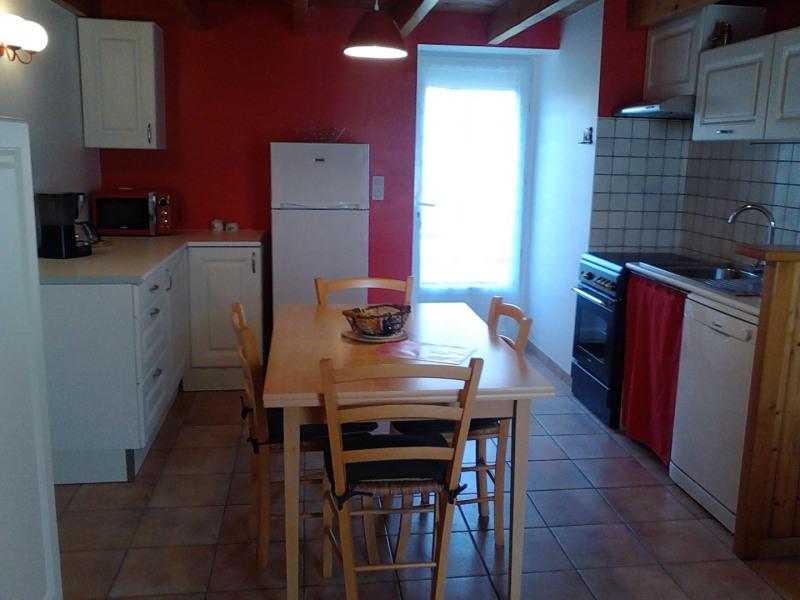 Cuisine équipée cuisson, four, MO, lave-vaisselle, frigo-congélateur