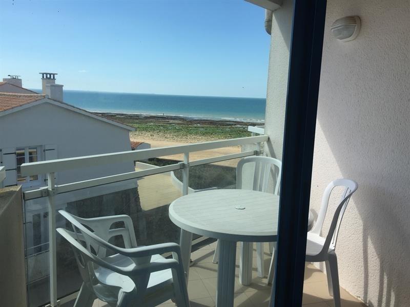 Appartement vue mer, plage de sables fins au pied et vue sur l'ile de Ré