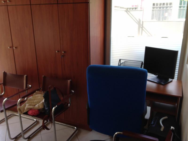 location bureau la garenne colombes plaisance 92250 bureau la garenne colombes plaisance. Black Bedroom Furniture Sets. Home Design Ideas