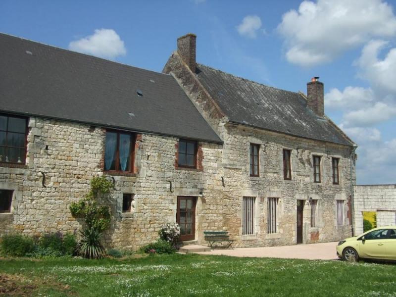 Gîte Les Bois Georges à Bossus-lès-Rumigny - à 40 Km de Charleville-Mézières Ferme de 1719 restaurée, sur la route de...