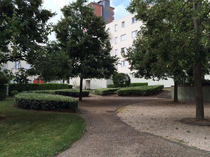 Appartements louer sur lancourt 78990 4 r cemment for Piscine elancourt