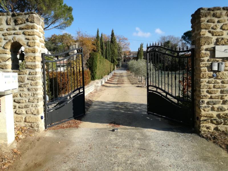 L'entrée de la propriété