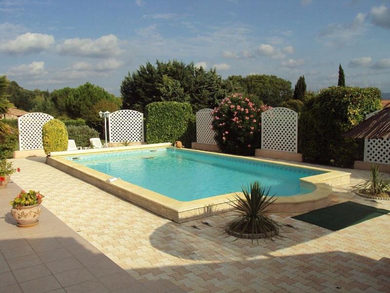 Au coeur du Luberon, avec piscine pour 2 personnes