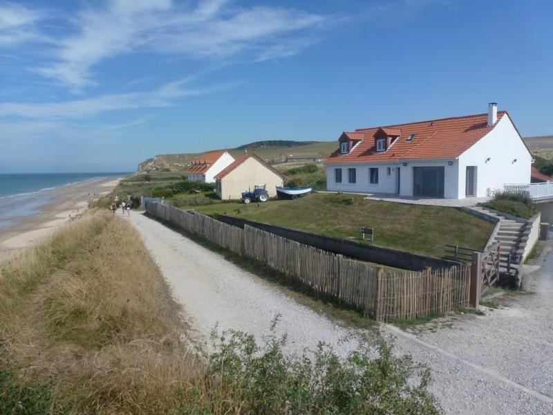 villa Entre deux caps,  bord de mer