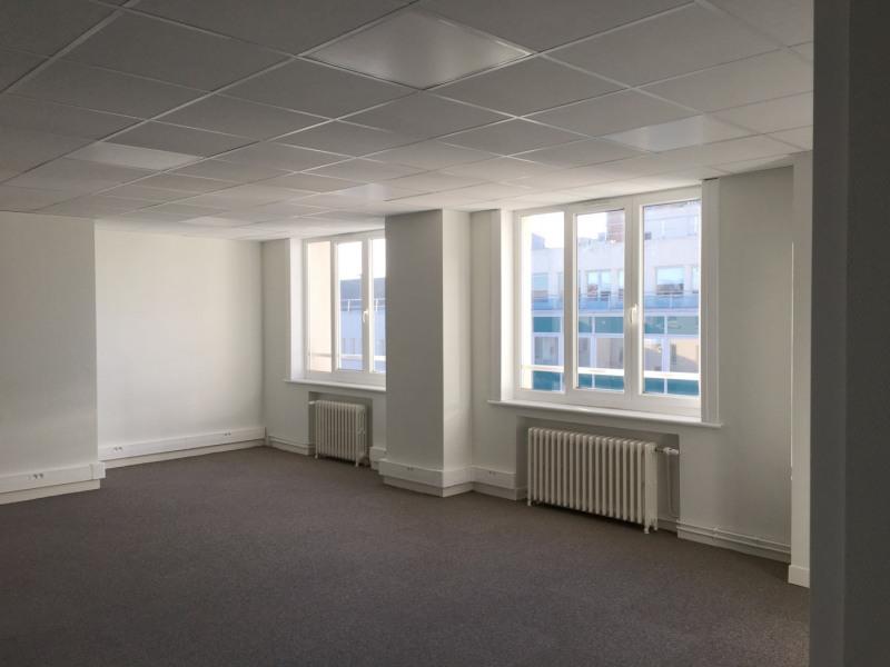 location bureau lille nord 59 455 m r f rence n 404231. Black Bedroom Furniture Sets. Home Design Ideas