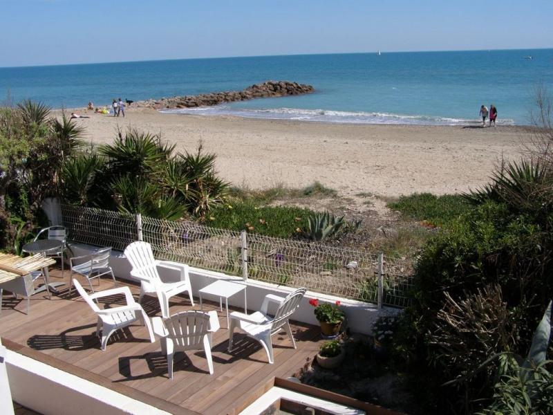 Terrasse en bord de plage