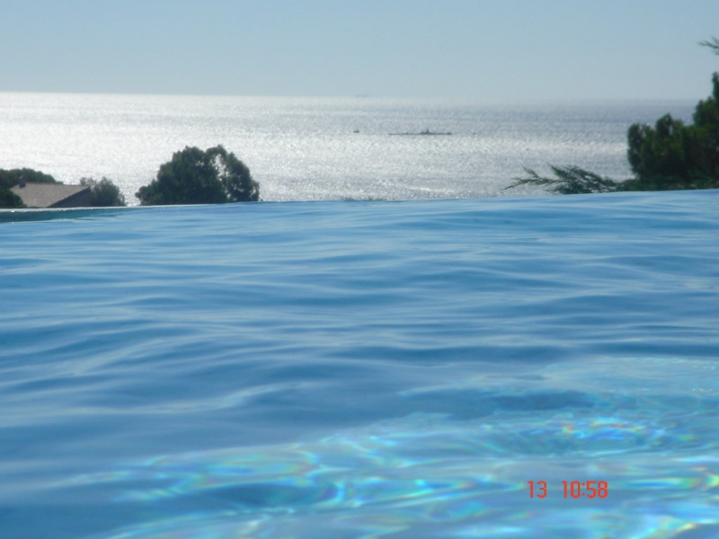 Piscine débordement vue mer